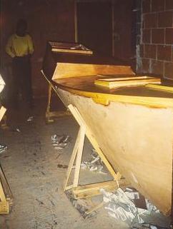 Tiki 21 construction coque